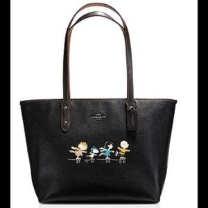 Coach Bags - Coach Snoopy City Zip Tote